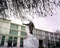 Το υπό κατασκευή άγαλμα του Αλέξανδρου Παναγούλη, αντιστασιακού κατά την περίοδο της χούντας.
